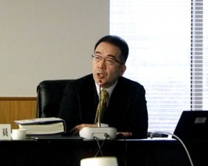 CAN-DOについて発表する投野由紀夫委員