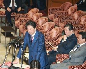 予算委員会で野党の質疑に応じる安倍首相