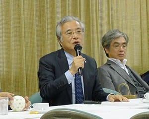 海外のプログラミング教育の現状を紹介する坂村教授