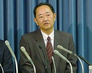 事実の概要を説明する鈴木社長
