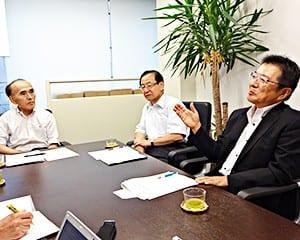 左から工藤氏、寺崎氏、細谷氏