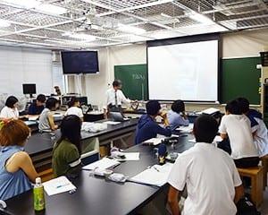 放射線教育を実践できる教員養成を目的にした合同授業
