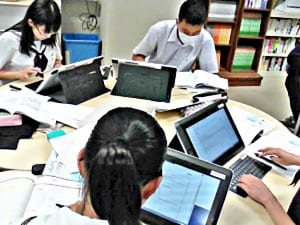 「ぐるぐる読書」に取り組む生徒