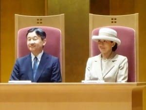 中学校教育70年記念式典に出席された皇太子ご夫妻