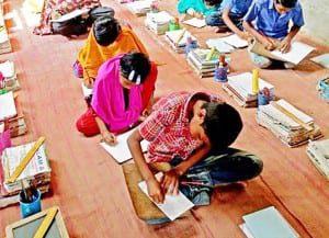 BRACスクールで貧困層の子供たちに公文式に取り組んでもらい、8カ月間にかけて効果検証を行った