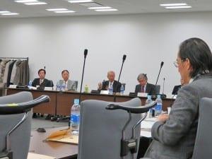 事例集について検討した「いじめ防止対策協議会」会合