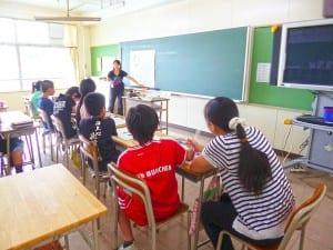 いちょう小での本校でのイマージョン教育の取り組み