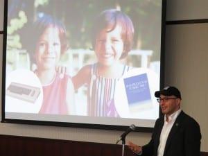 世界的なプログラミング教育の動きやCode.orgの取り組みを語るハディ氏