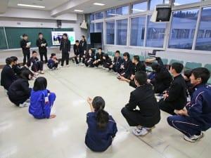 中高連携のピアサポートの授業風景